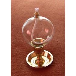 Dekorativní petrolejová lampa s mosazným stojanem (koule)